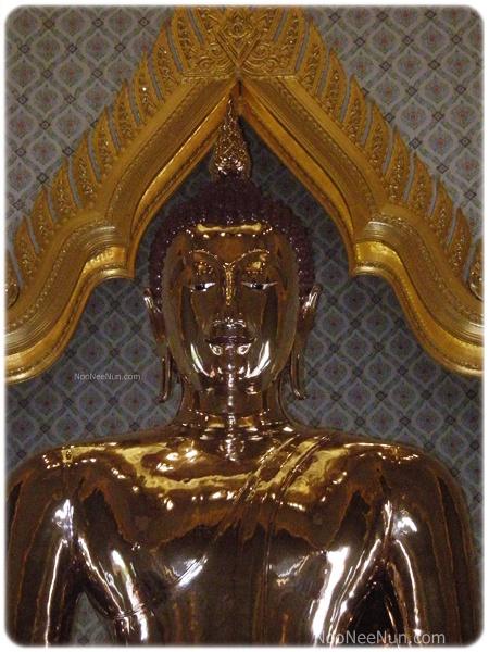 พระพุทธรูปทองคำสุโขทัยไตรมิตร