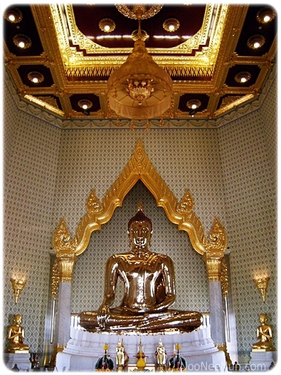 พระพุทธรูปทองคำสุโขทัยไตรมิตร หรือ พระพุทธมหาสุวรรณปฏิมากร