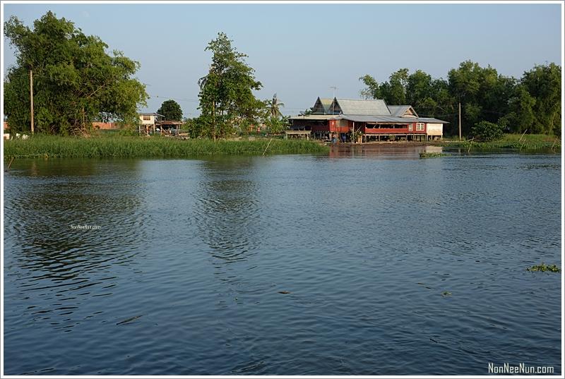 บรรยากาศริมแม่น้ำท่าจีน